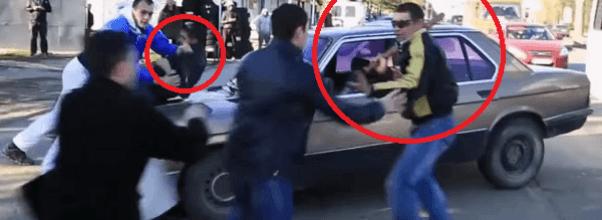 Le revientan el coche entre varias personas por aparcarlo mal
