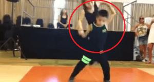Niños bailando salsa