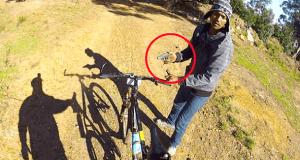 Roba una bicicleta a punta de pistola
