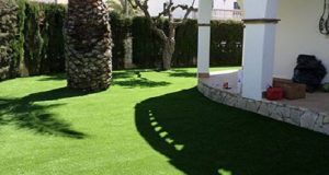 cesped artificial jardin para decorar casa