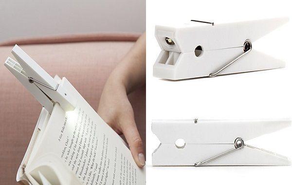 lámpara de lectura con diseño de pinza en color blanco